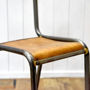 nyv-schoolchair-01