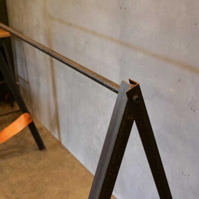 iron-angle-fashion-hangar-001